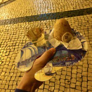 リスボンで見つけた「Casa Portuguesa do Pastel de Bacalhau」でバカリャウ+ワイン片手にお洒落休憩